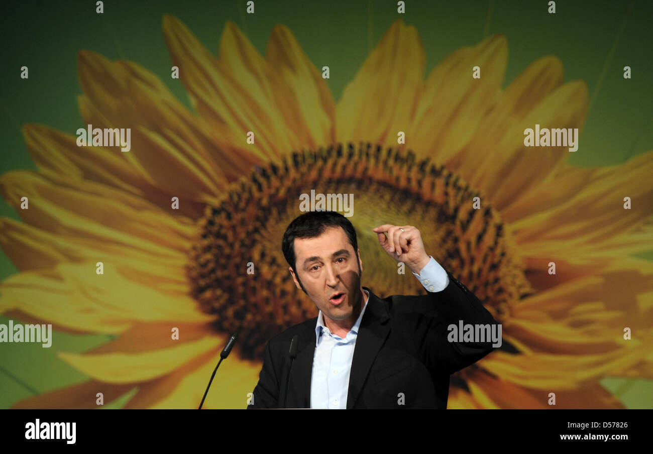 Germany's party The Green's head Cem Oezdemir talks in Cologne, Germany, 25 April 2010. The Greens met for - Stock Image