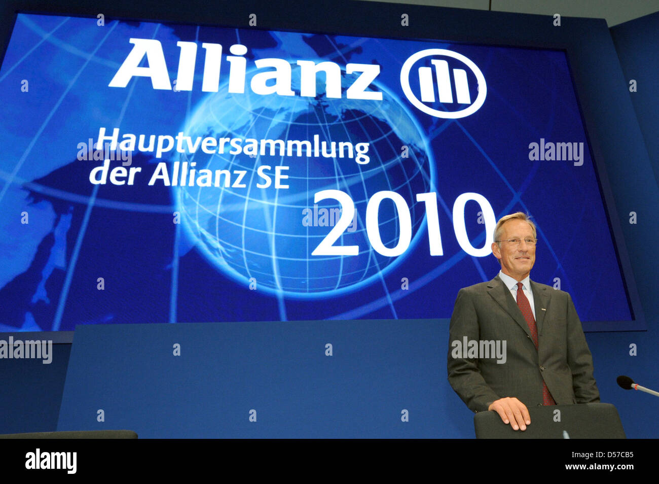 Allianz SE CEO Michael Diekmann pictured at the general meeting in Munich, Germany, 05 May 2010. The insurance giant gave a conservative outlook for the running financial year due to persistent challenging economic conditions. Allianz reports an operative result of 7.2 billion euro for 2009. Photo: TOBIAS HASE Stock Photo