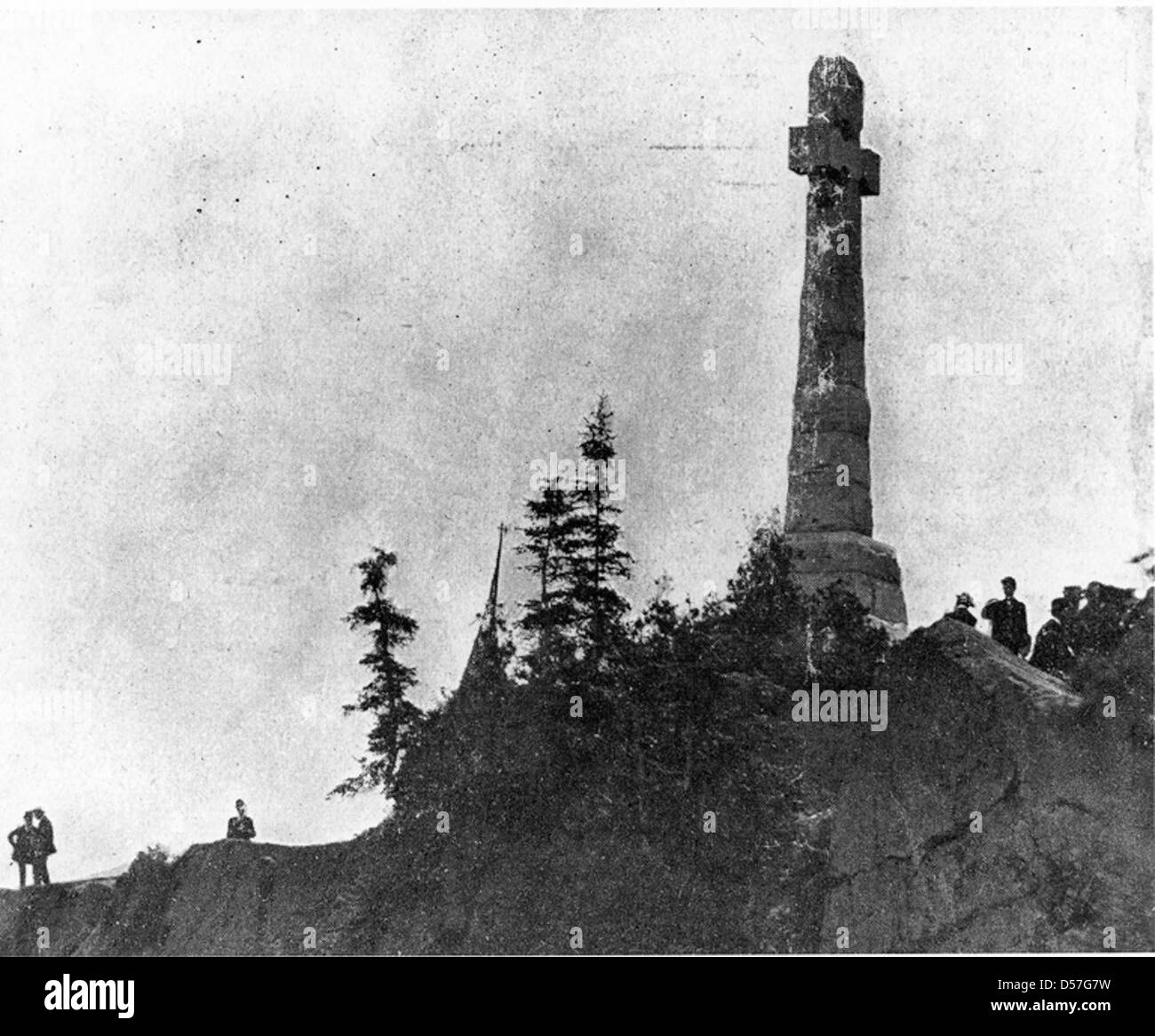 Monument to the Irish immigrant victims of typhus, Grosse-Île, QC, about 1910 - Stock Image