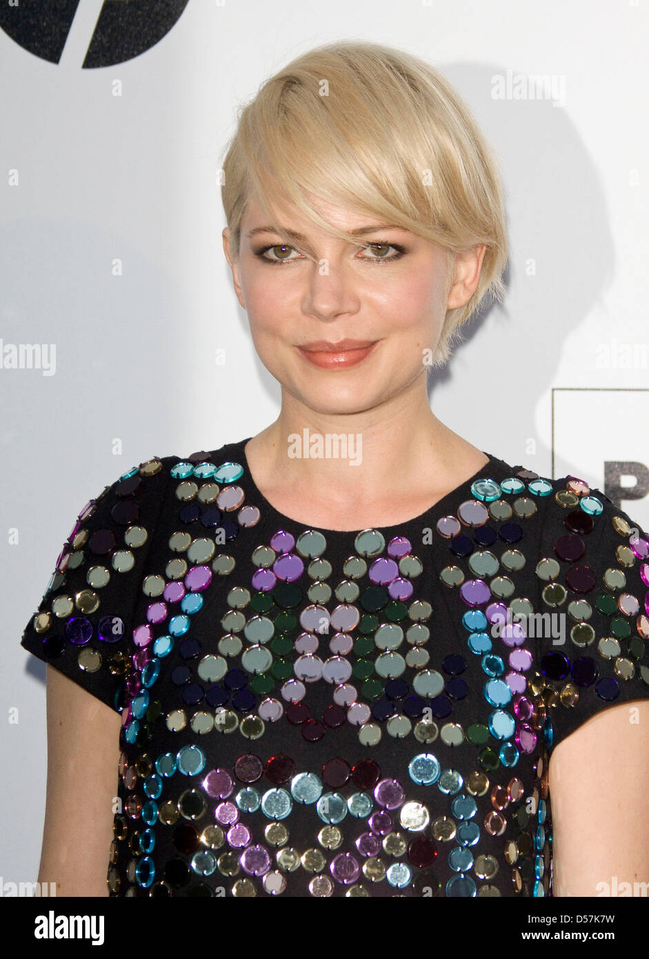 16c09deb132 US American actress Michelle Williams attends the amfAR Cinema Against Aids  Gala within the scope of the 63rd Cannes Film Festival 2010 at the Hotel Du  Cap ...