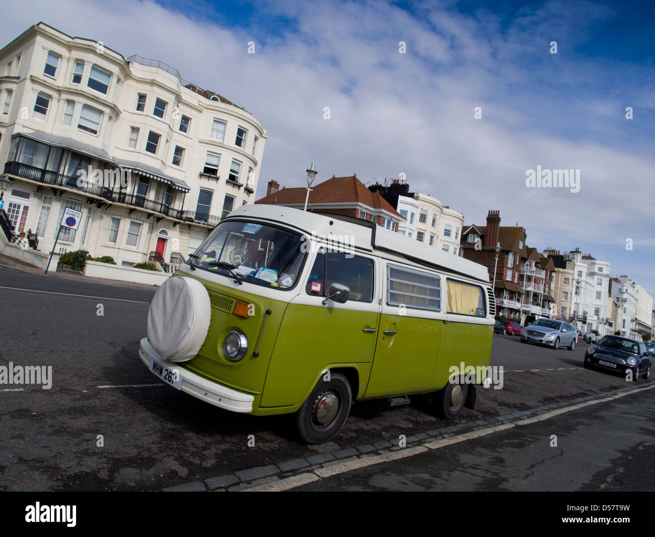 VW campervan on Brighton seafront - Stock Image