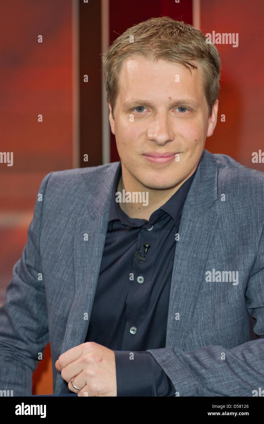 """Oliver Pocher at german WDR TV talkshow """"Hart aber fair"""". Cologne, Germany - 28.11.2011 - Stock Image"""