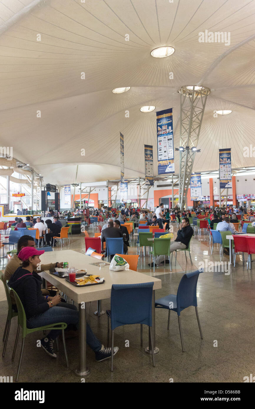 Food Court Mall Of Arabia Cairo Juhayna Square 6th Of October Stock Photo Alamy