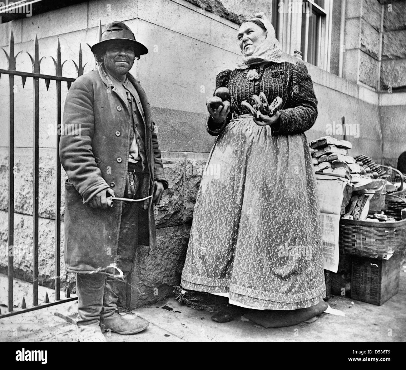 Street types of New York City: Emigrant and pretzel vendor, circa 1896 - Stock Image