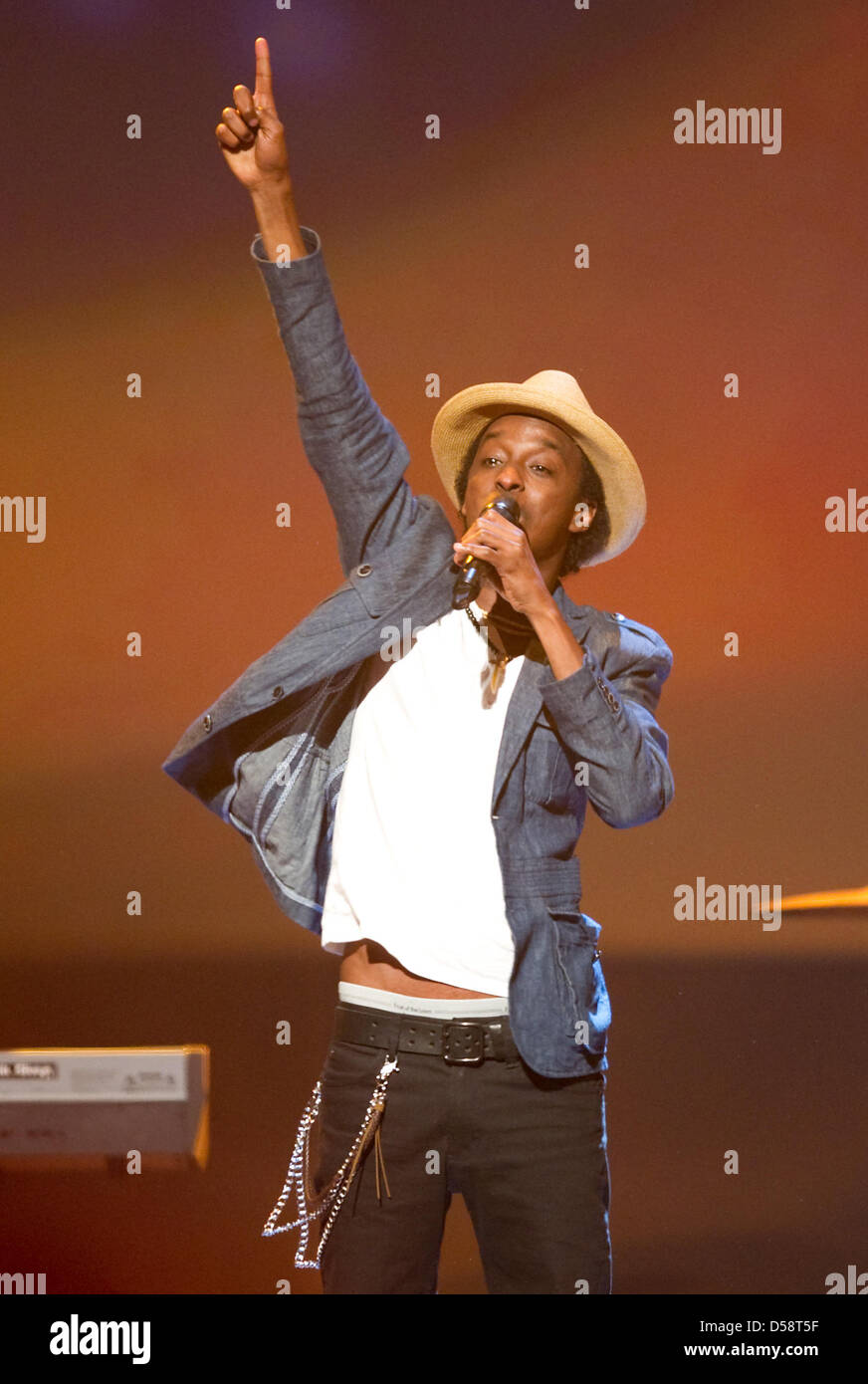 Somali HipHop artist K'Naan performs during the recording of the