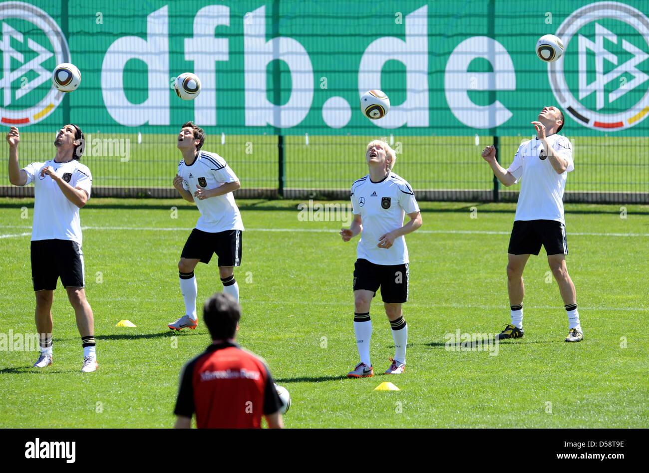 Sami Khedira And Mesut Ozil Stock Photos   Sami Khedira And Mesut ... bebc6ce934d95