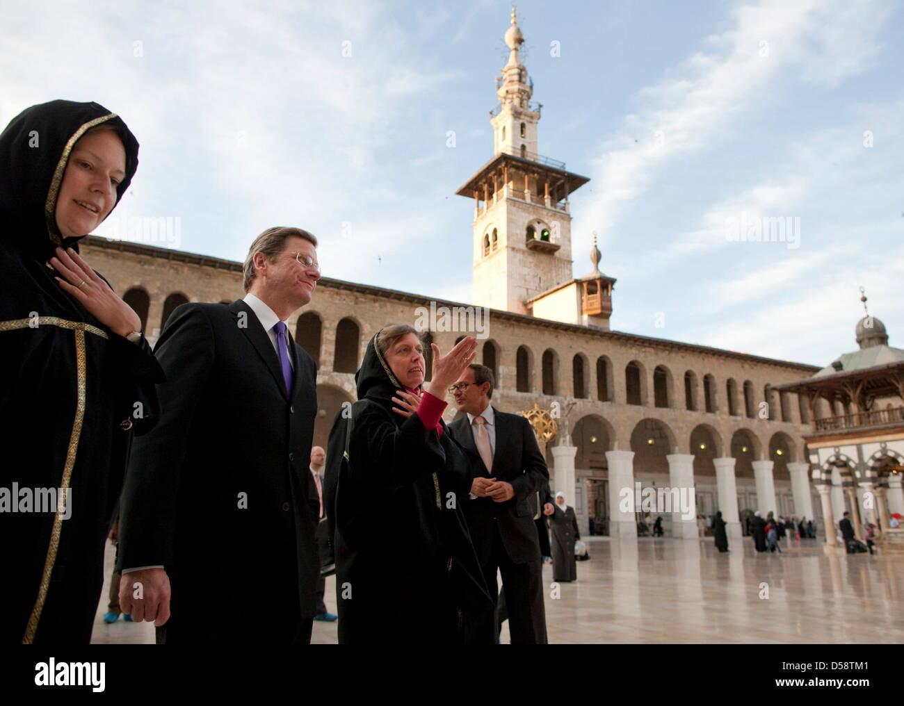 Bundesaußenminister Guido Westerwelle (FDP, l) besucht am Samstag (23.05.2010) in Damaskus mit Regina KALLMAYER - Stock Image