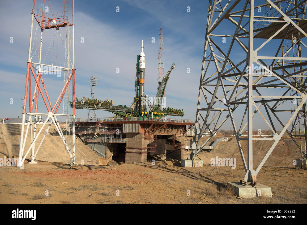 The Russian Space Agency Soyuz TMA-08M spacecraft is moved into position at the launch pad at the Baikonur Cosmodrome Stock Photo