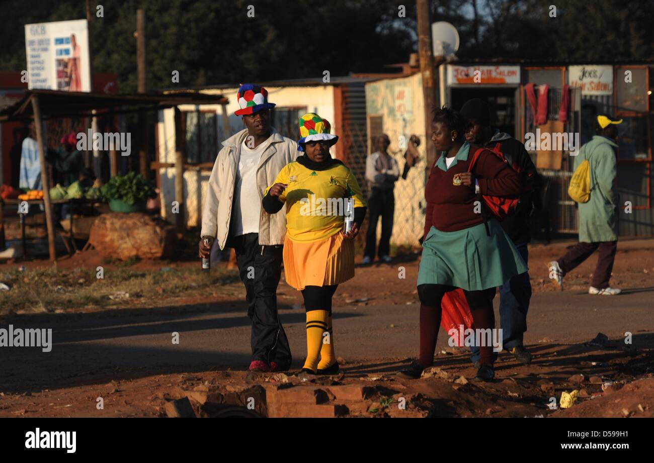 Local people on the street at the Atteridgeville township near Pretoria, South Africa, 16 June 2010. South Africa - Stock Image