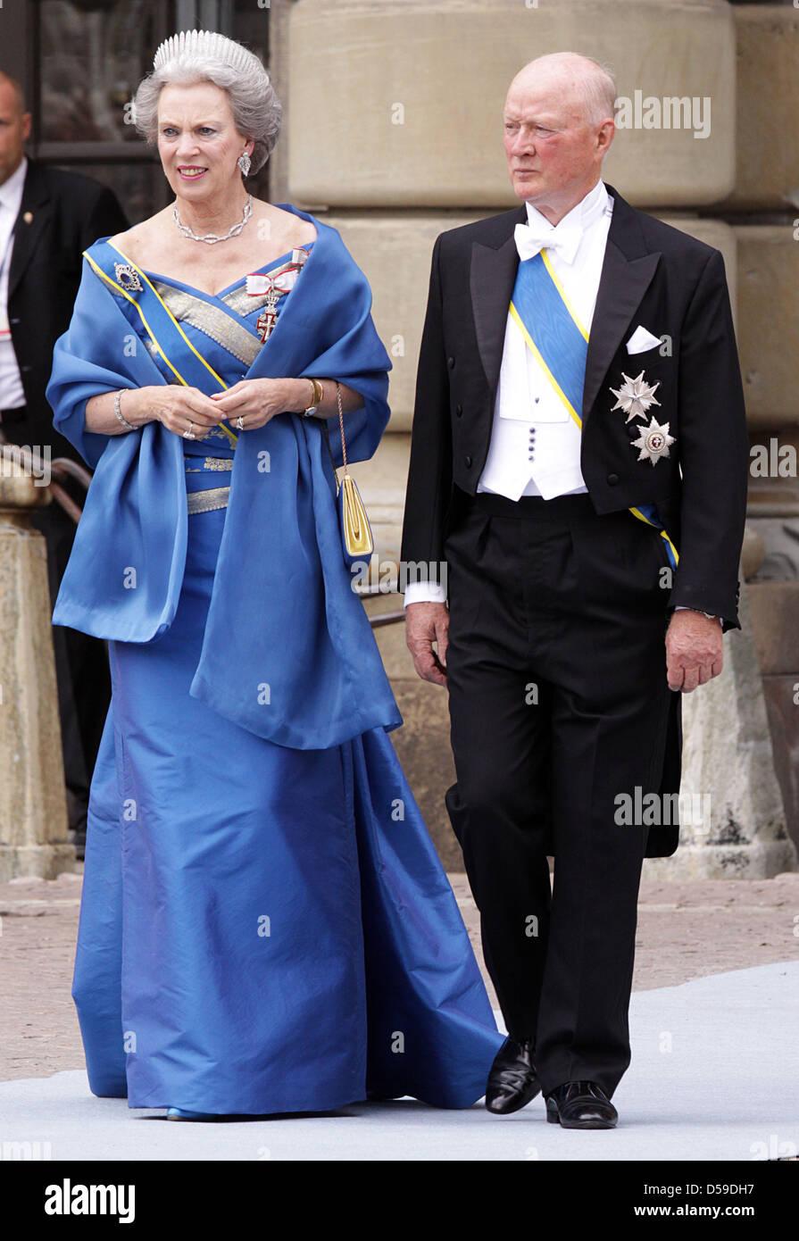 Princess Benedikte of Denmark and Prince Richard of Sayn-Wittgenstein-Berleburg arrive for the wedding of Crown - Stock Image