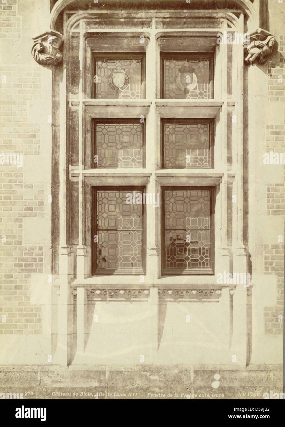 Château de Blois, Window (Louis XII Wing) Stock Photo