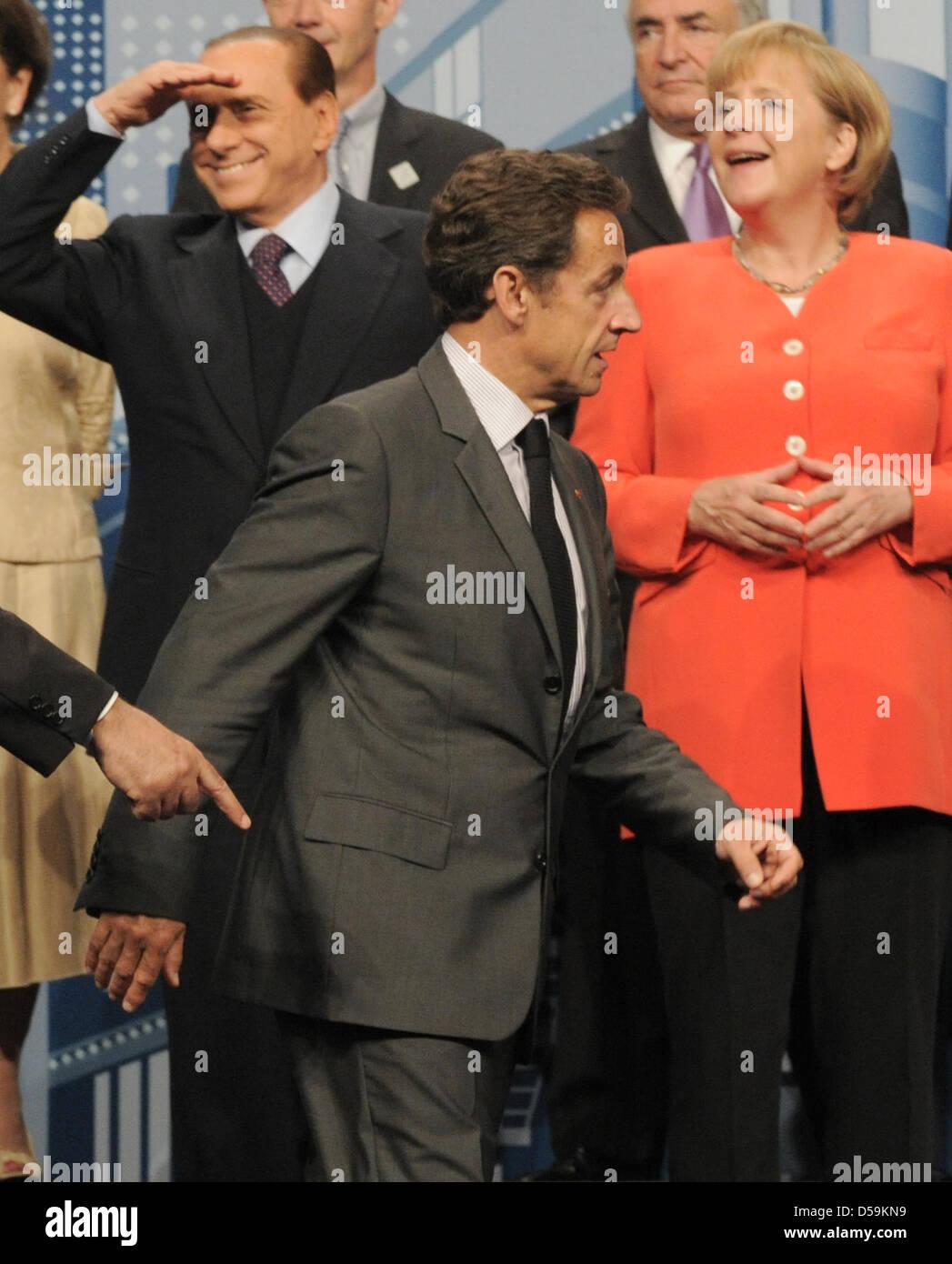 Der italienische Ministerpräsident Silvio Berlusconi (l-r), der französische Präsident Nikolas Sarkozy - Stock Image