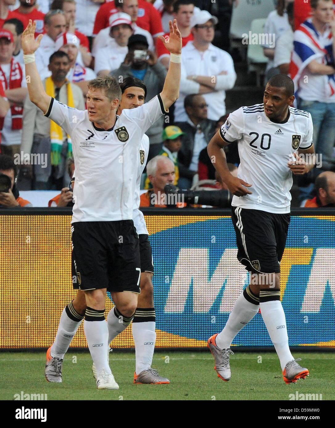 Jerome Boateng And Sami Khedira Stock Photos   Jerome Boateng And ... 64a1030a26254