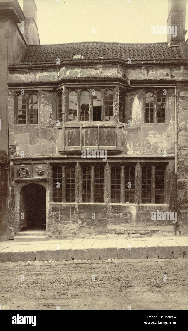 Fifteenth-century House with Coat of Arms of Henry VII Stock Photo