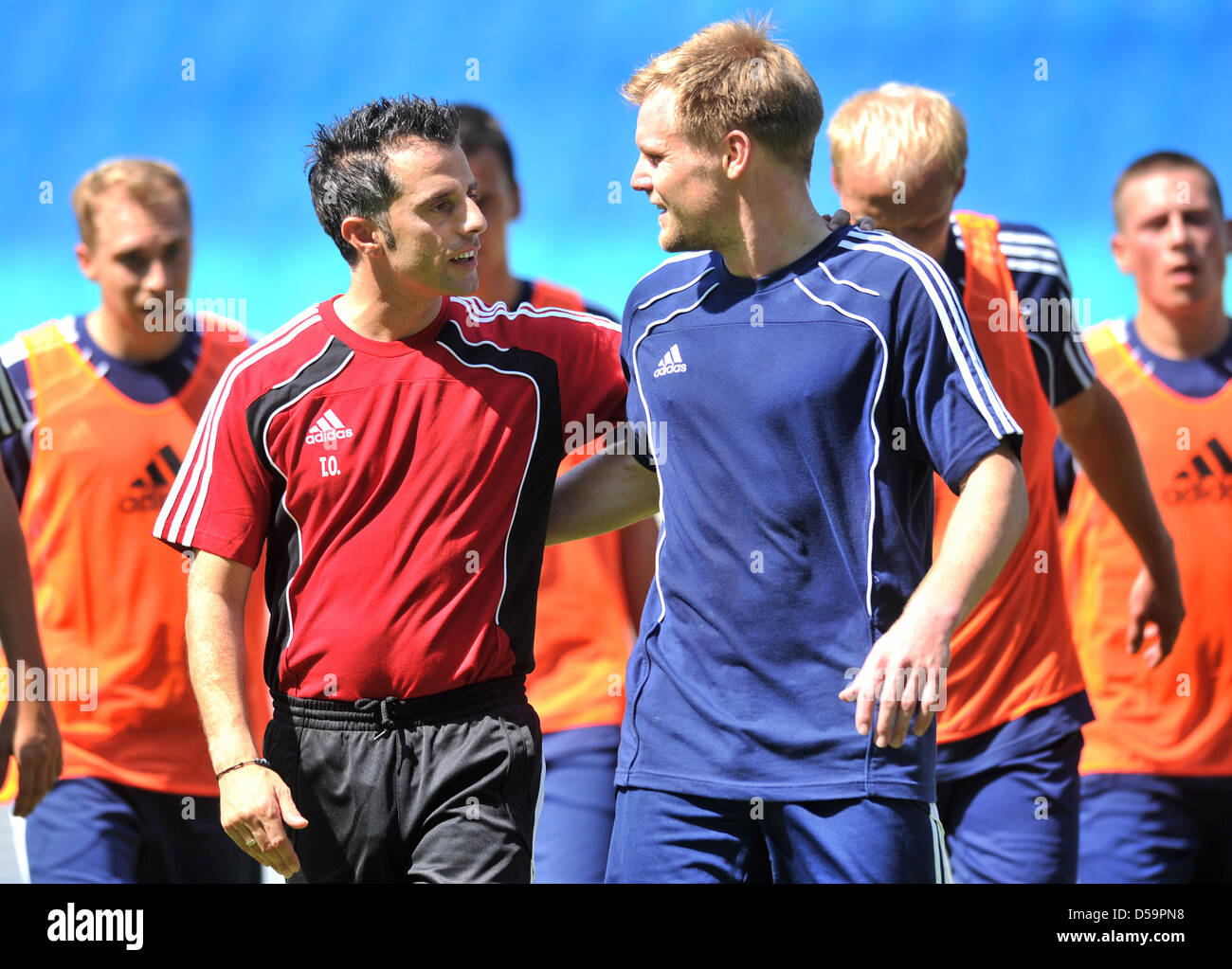 The New Head Coach Of Rb Leipzig Tom Oral Front L Chats With New Stock Photo Alamy