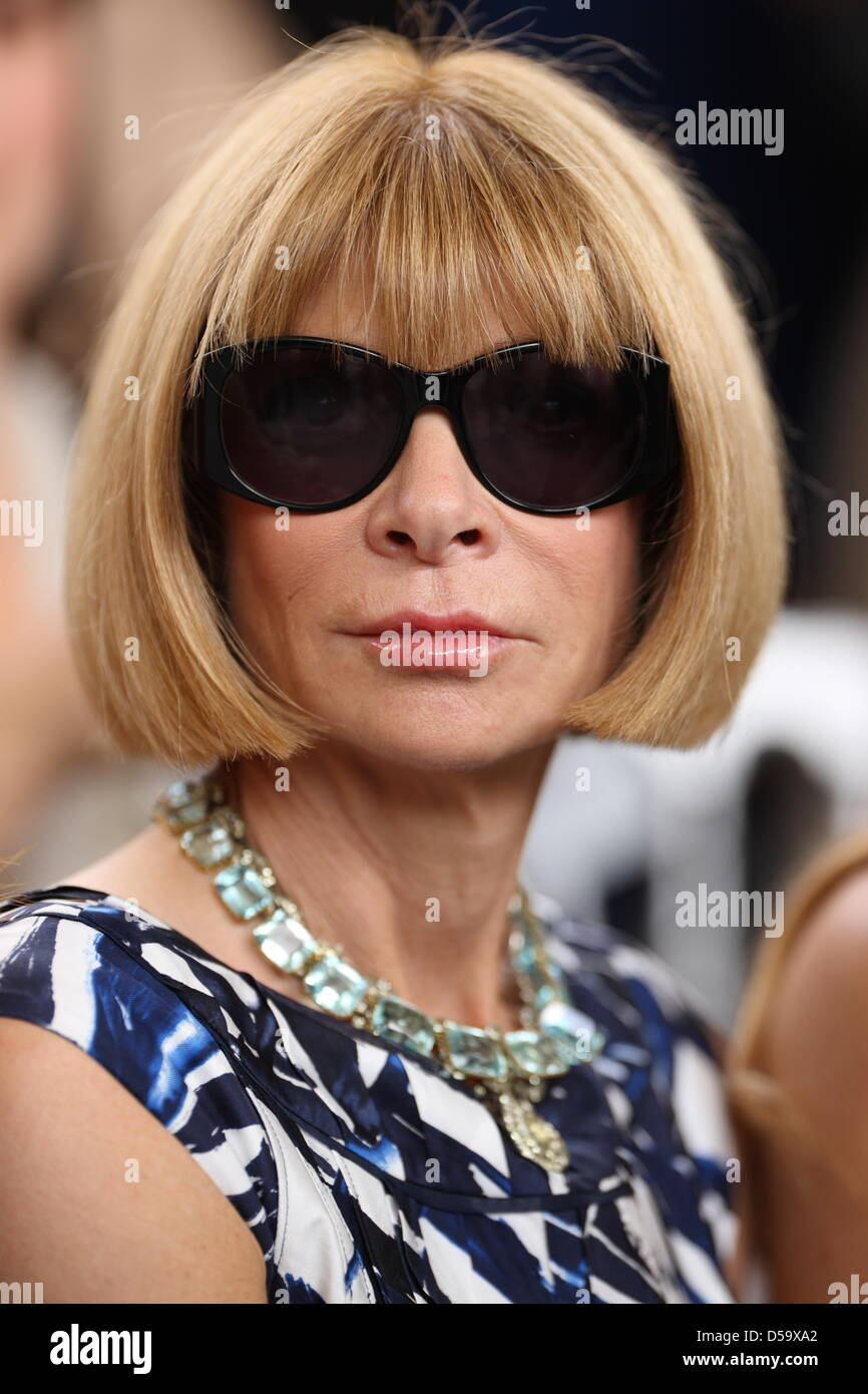 28da7c9ea7 Anna Wintour attends Christian Dior Haute Couture fashion fall winter 2010/ 2011 collection presented during the Paris Haute Couture Fashion Week in  Paris, ...