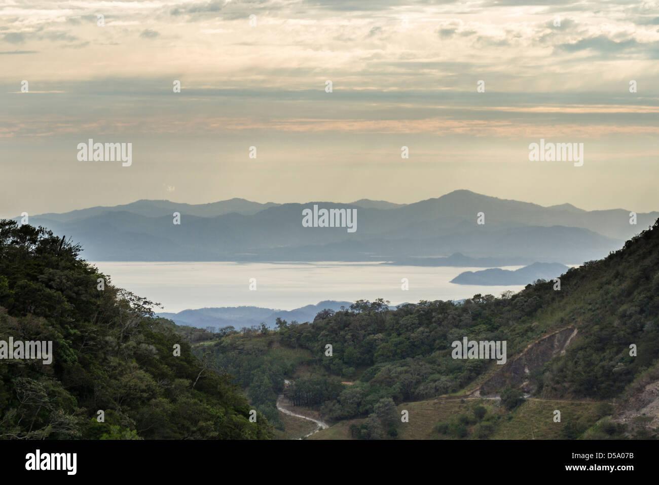 Overlooking Lake Arenal from the Children's Eternal Rain Forest, Bosque Eterno de los Niños, Monteverde, - Stock Image