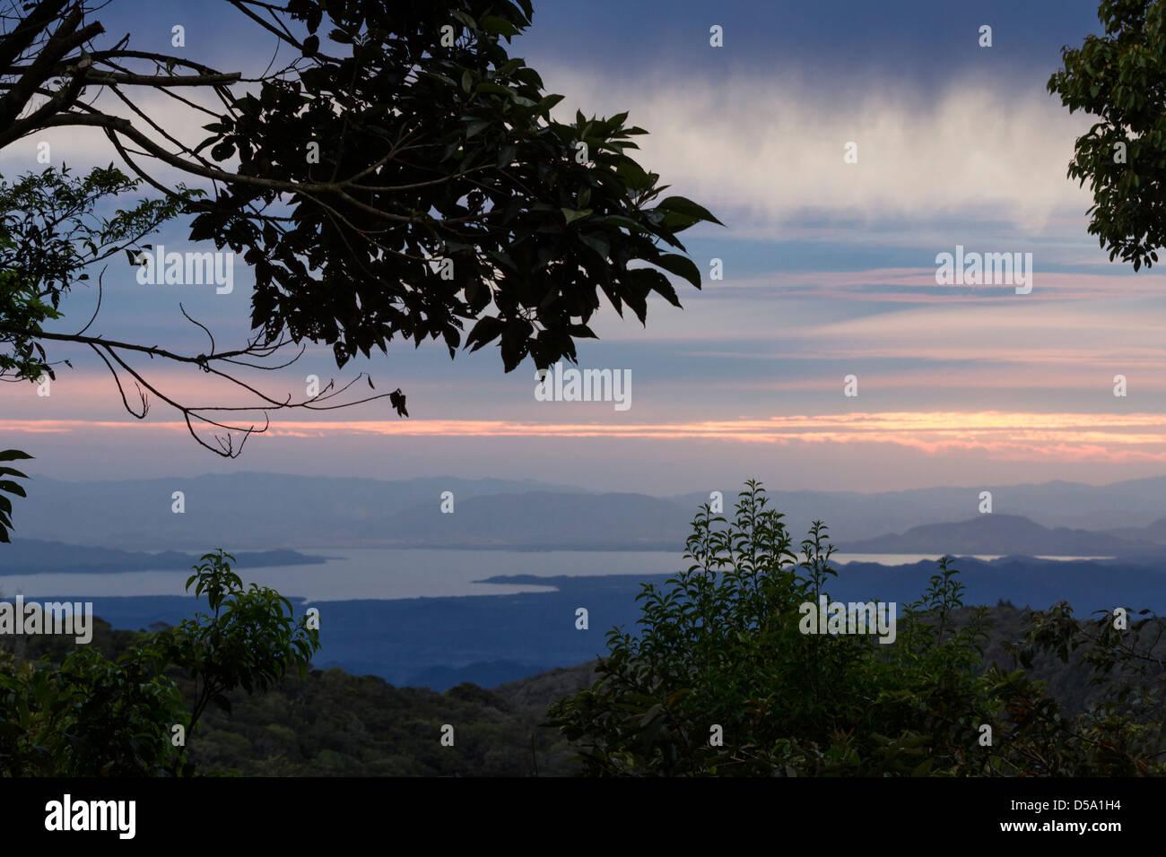 Overlooking Lake Arenal at The Children's Eternal Rain Forest, Bosque Eterno de los Niños, Monteverde, - Stock Image