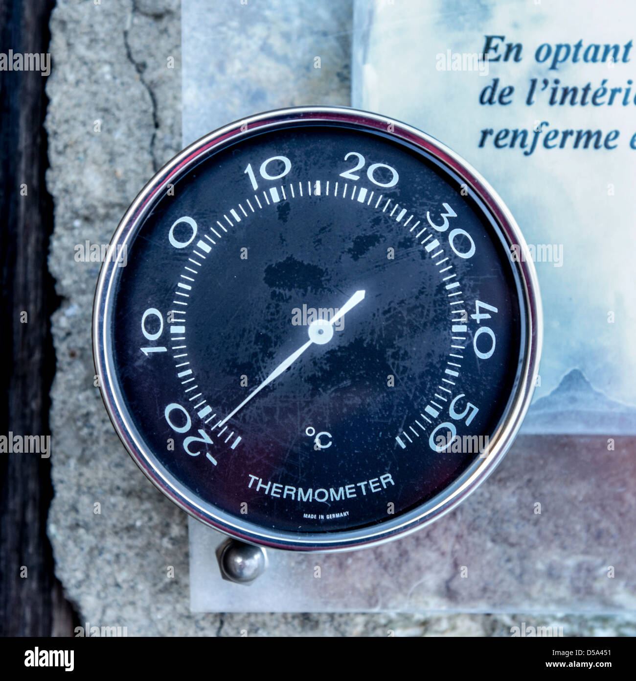 [Image: an-outdoor-thermometer-reading-minus-22-...D5A451.jpg]