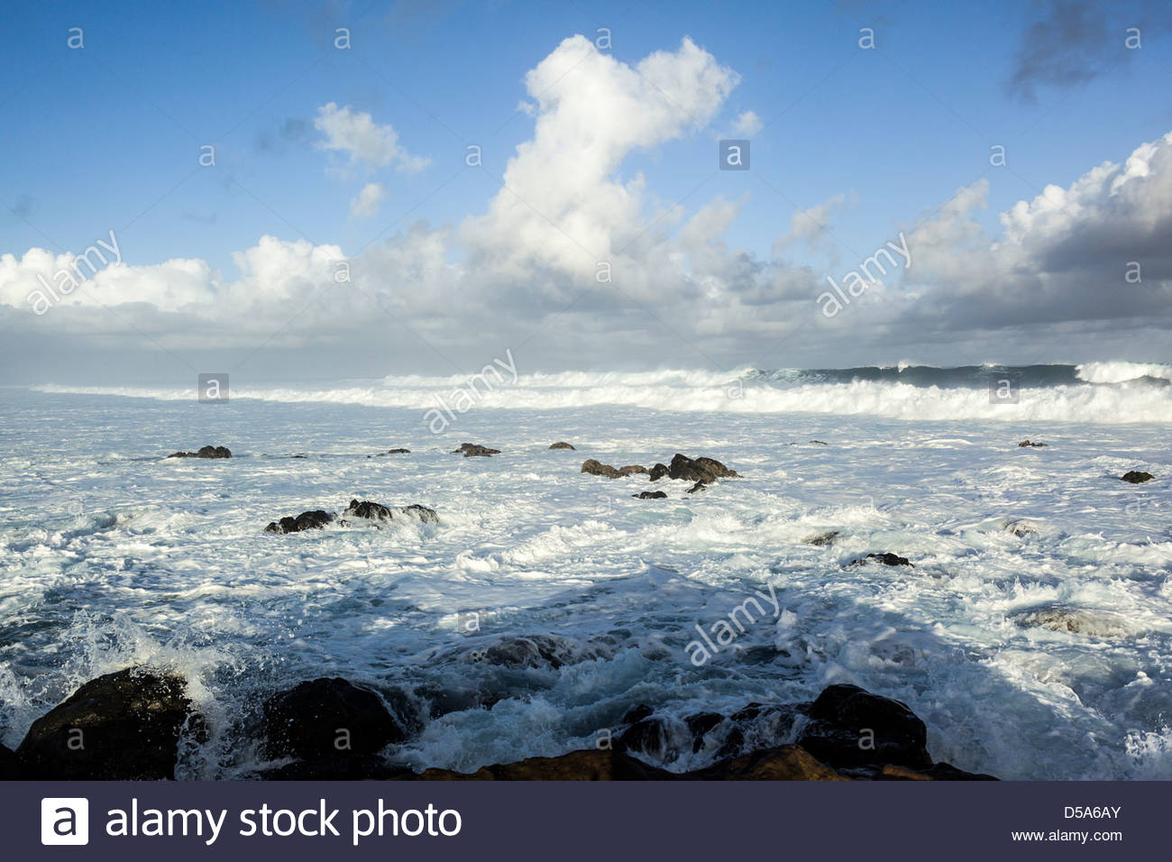Pounding surf at Ho'okipa Bay on the island of Maui in the state of Hawaii USA - Stock Image