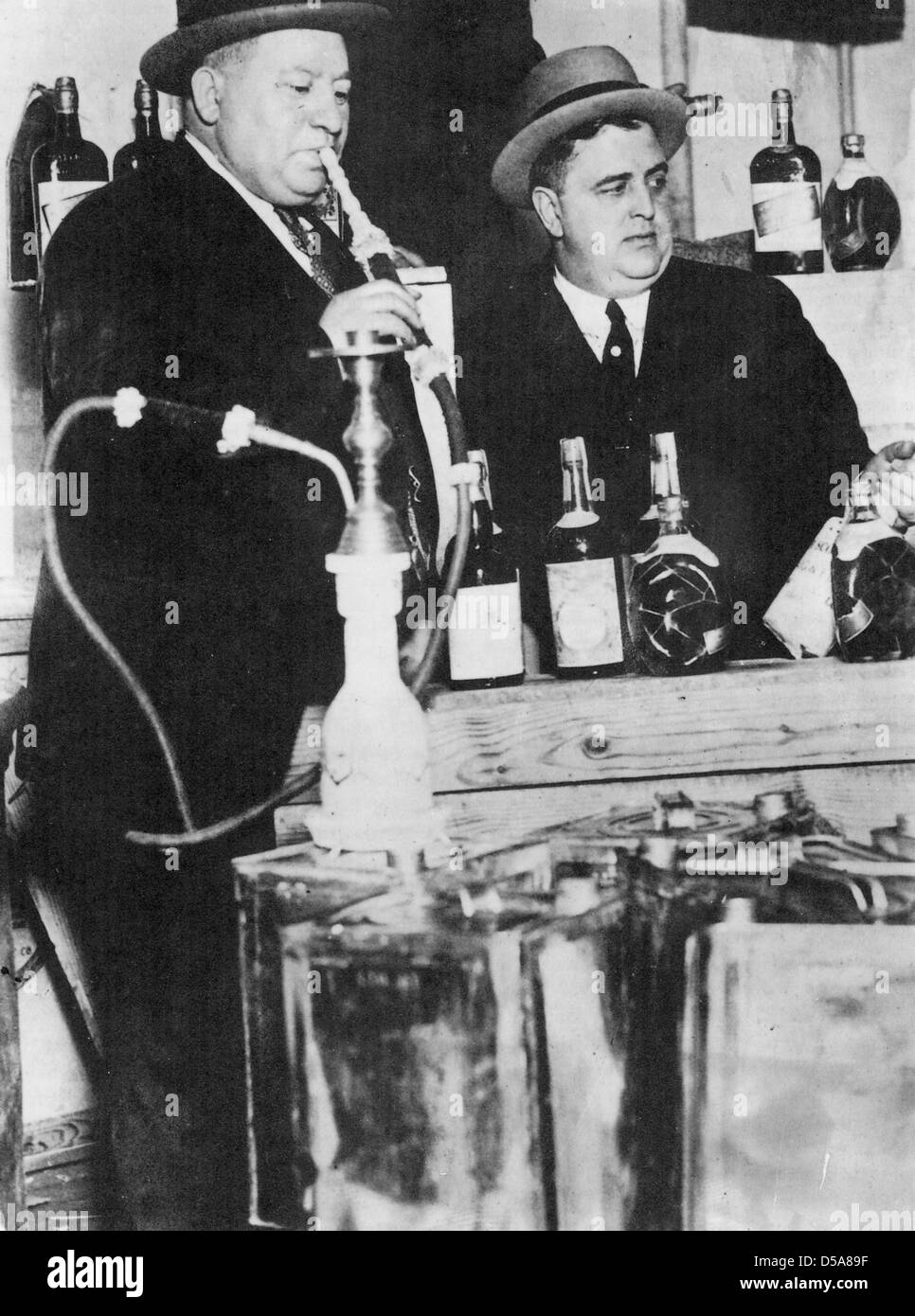 IZZY EINSTEIN (at left) and MOE SMITH  US Federal Police officers were the most successful officers during Prohibition - Stock Image