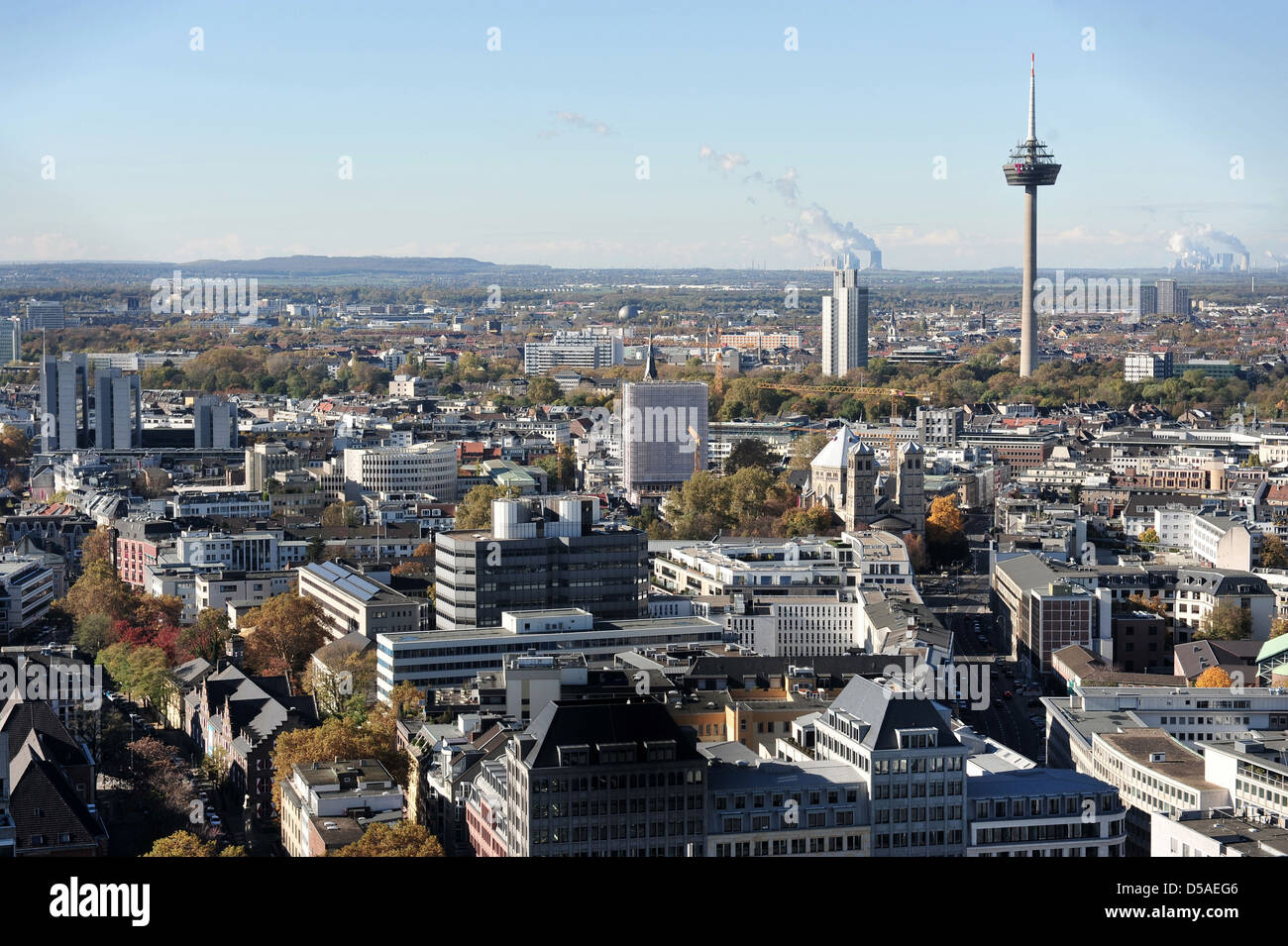 colonius telecommunications tower cologne stock photos colonius telecommunications tower. Black Bedroom Furniture Sets. Home Design Ideas