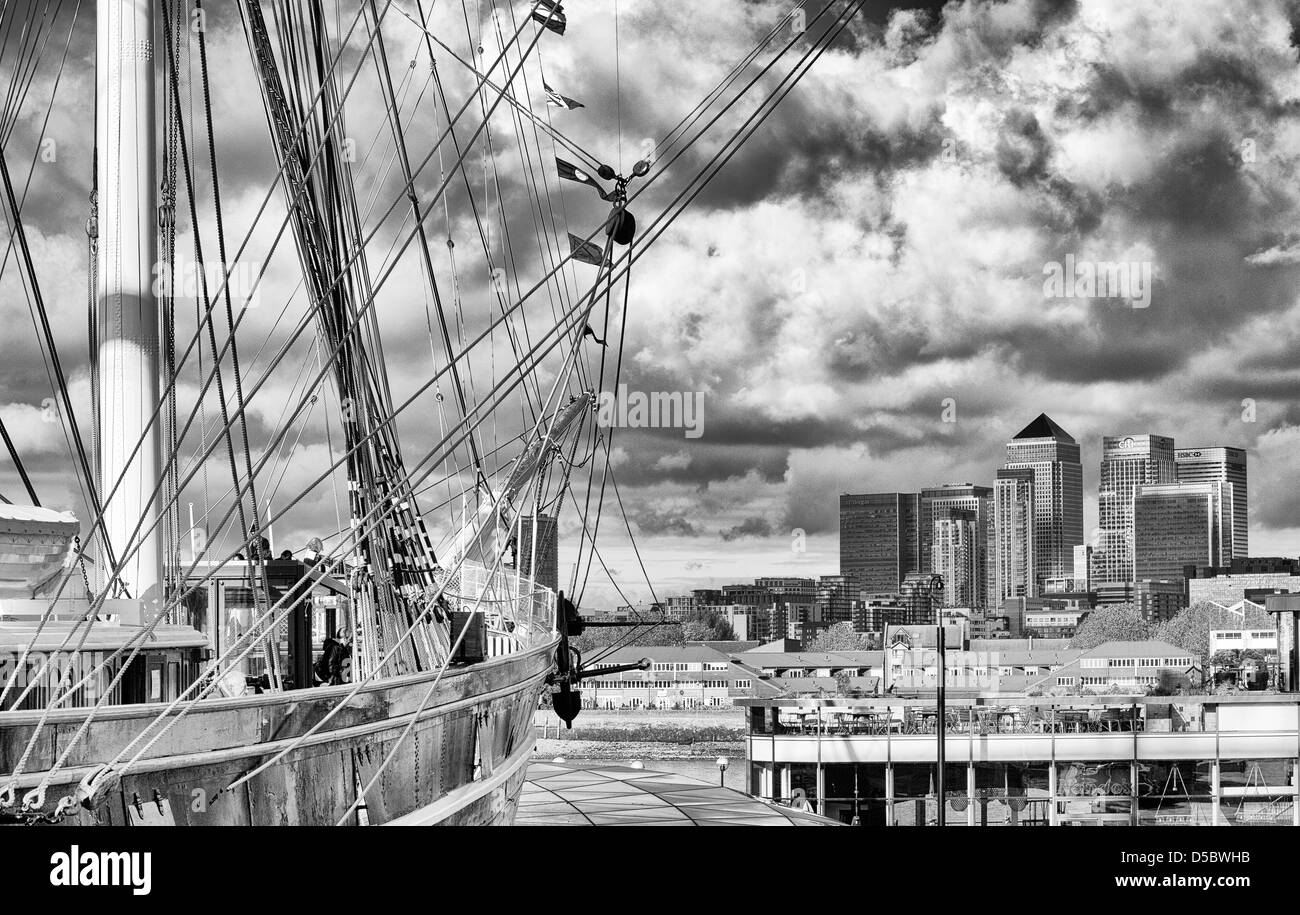 The Cuttysark and the Docklands - Stock Image