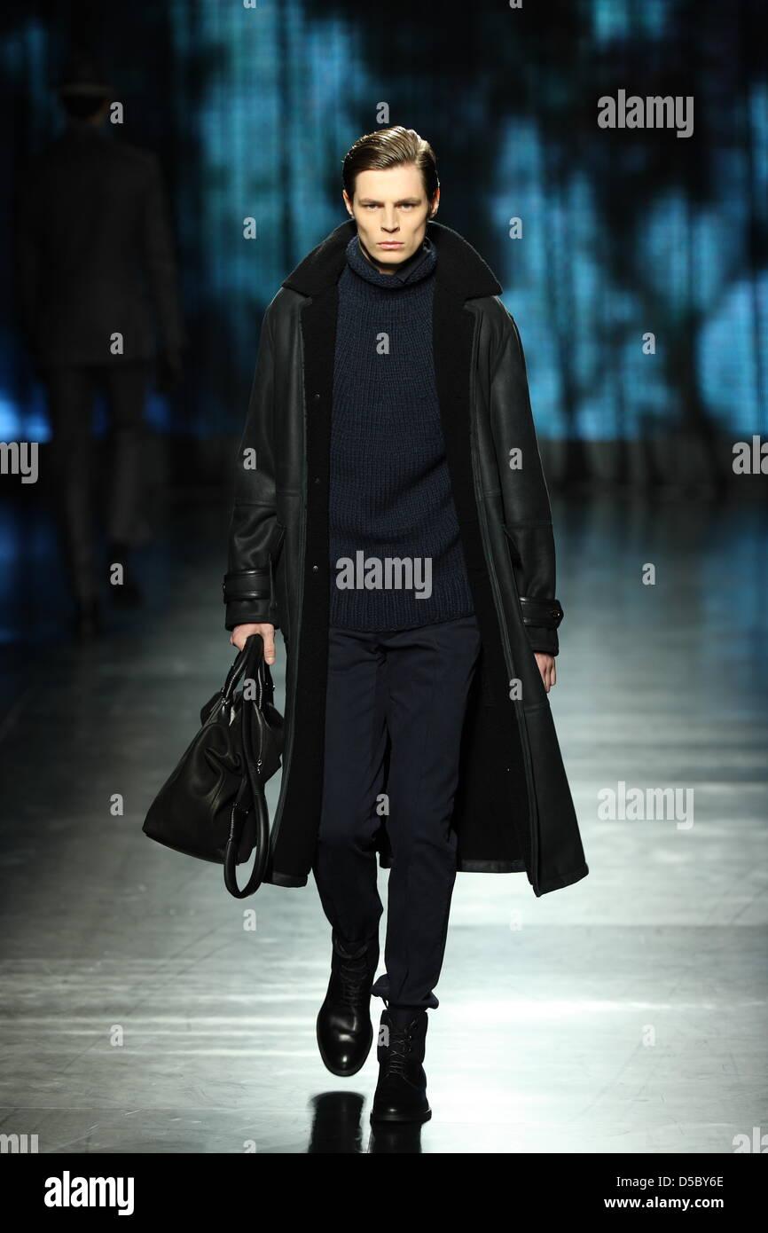 A model walks on the catwalk wearing a creation by Ermenegildo Zegna during  the Milano Moda Uomo Fall-Winter 2010 11 22f1f18355b