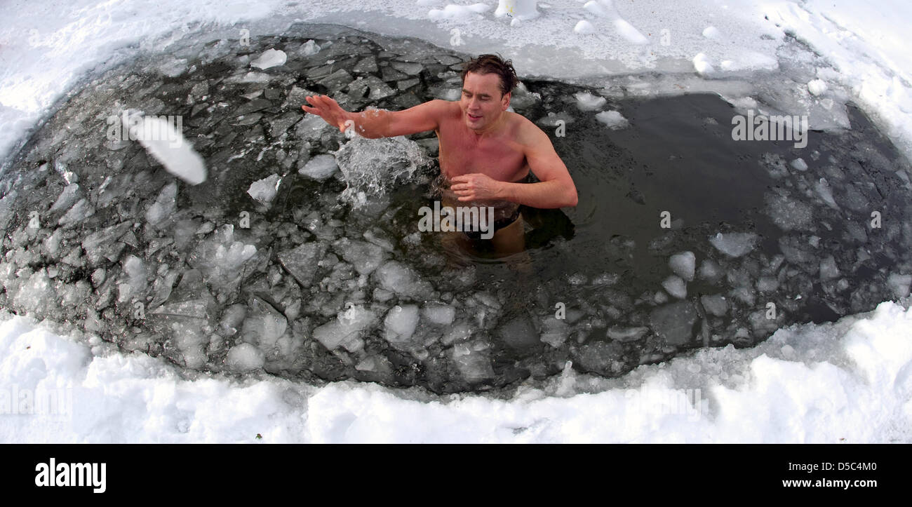 Goetz Takes A Bath At An Outside Temperature Of About Seven Degrees