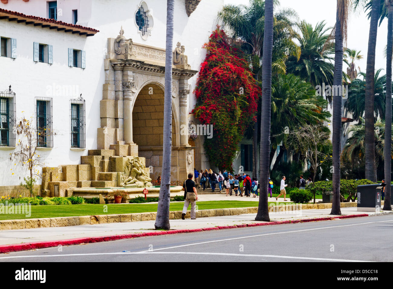 Sightseers visiting the courthouse in Santa Barbara, California - Stock Image