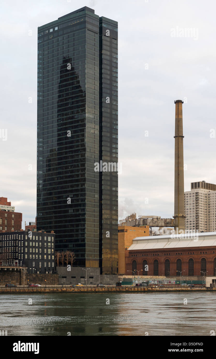 View of One East River Place, seen from Roosevelt Island, New York - Stock Image