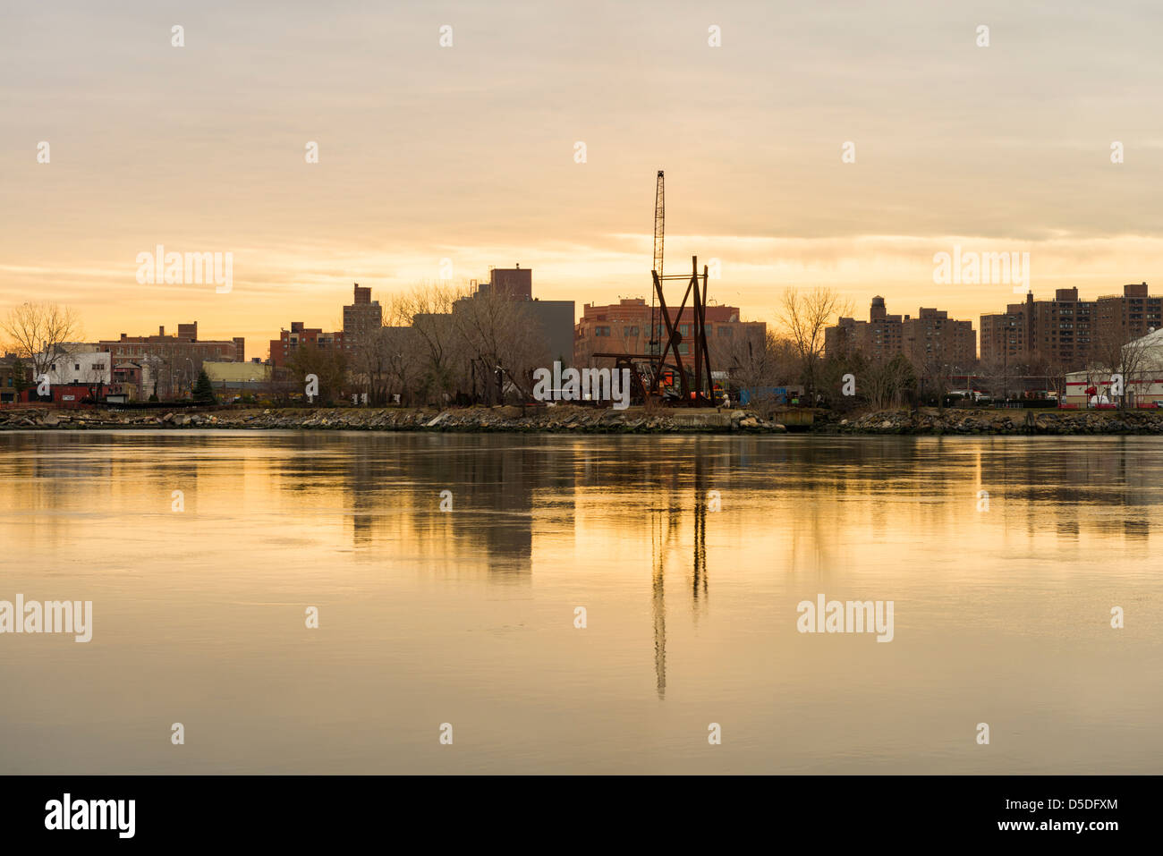 Morning view of Long Island City, New York, seen from Roosevelt Island. - Stock Image