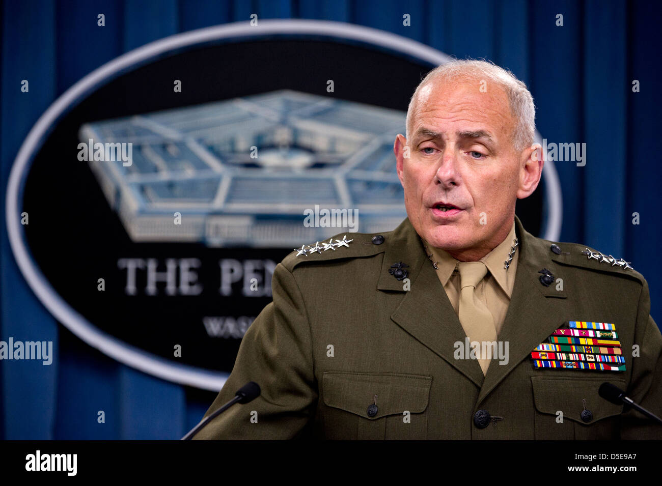 USMC General John Kelly, Commander US Southern Command briefs the media in the Pentagon on March 20, 2013 in Arlington, - Stock Image