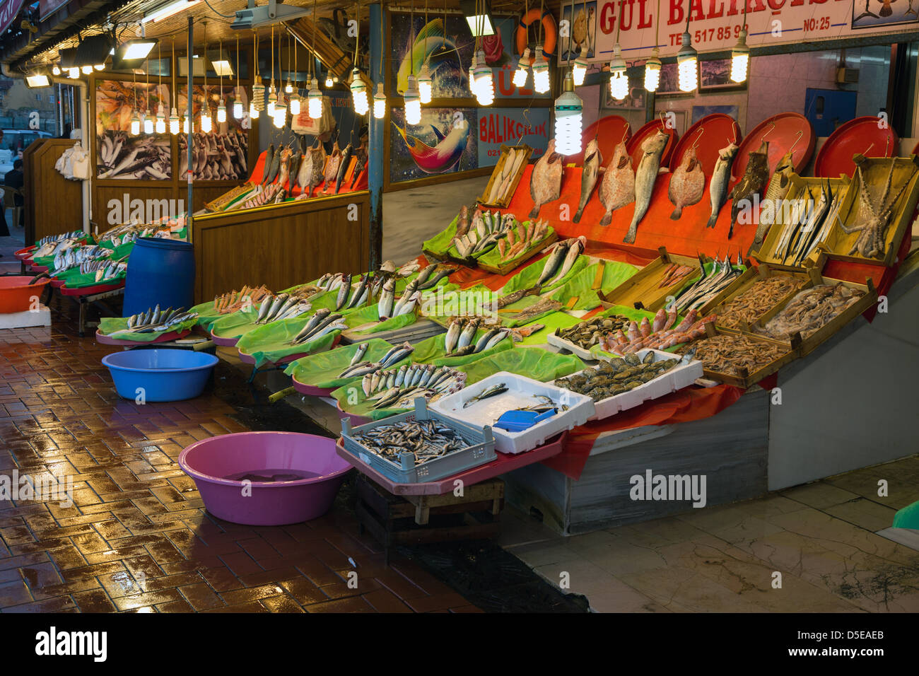 Fish for sale at fish market, Istanbul, Turkey - Stock Image