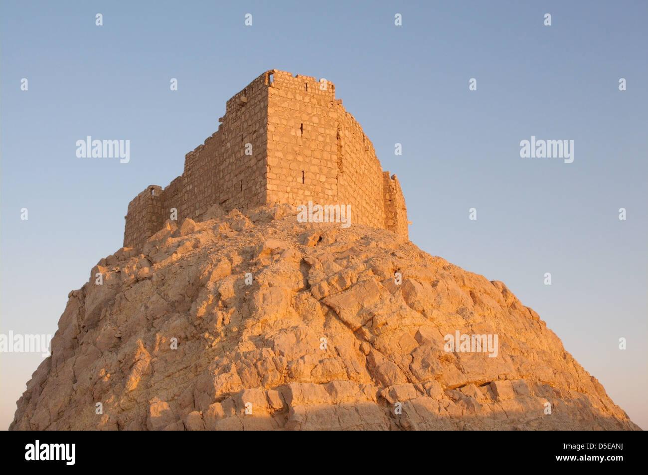 Medieval Arab fortress - Qala'at Ibn Maan (Ibn Maan castle, Fakhr al-Din al-Maani Castle), Palmyra, Syria - Stock Image
