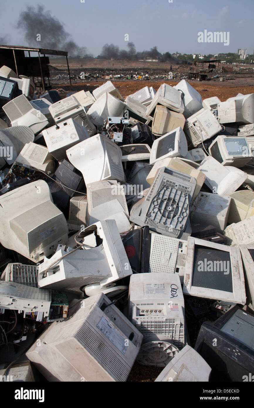 Electronic waste in Agbogbloshie dump, Accra, Ghana. - Stock Image