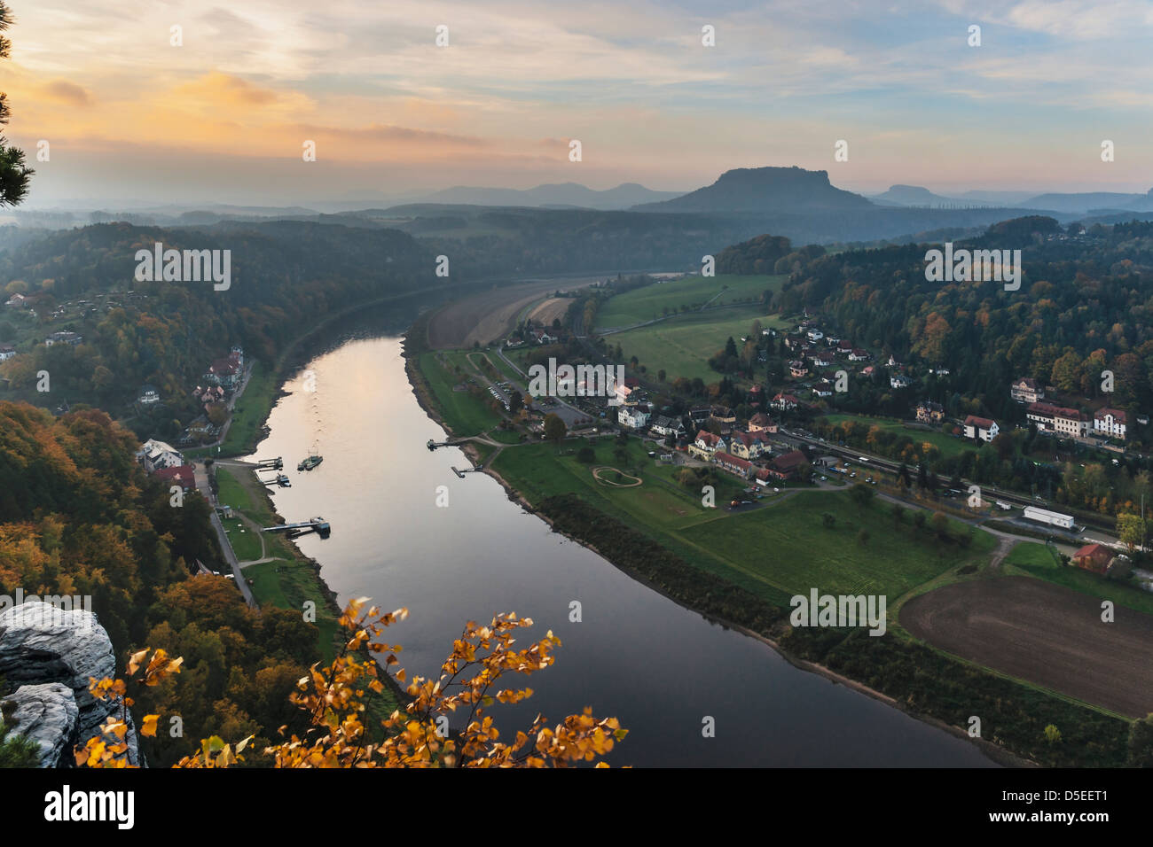 View to the Table Mountain Lilienstein in the national park Saxon Switzerland, near Dresden, Saxony, Germany, Europe - Stock Image