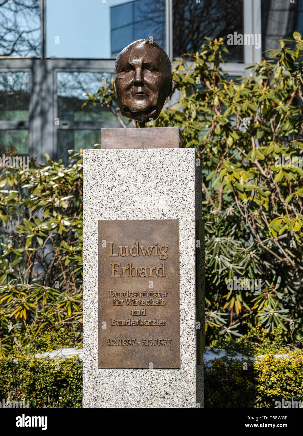 Bust of Ludwig Erhard Chancellor of West Germany from 1963 until 1966 - Stock Image