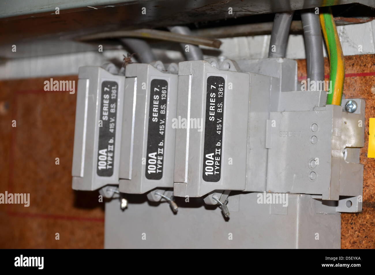 3 Phase Fuse Box Wiring Diagram Data Three Home Burn Schema Diagrams