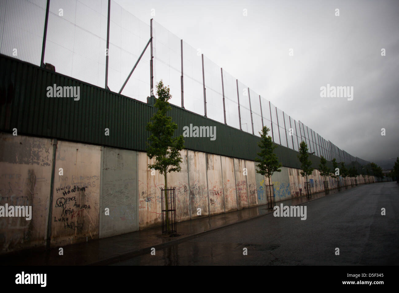 A peace line in Belfast, Northern Ireland. - Stock Image