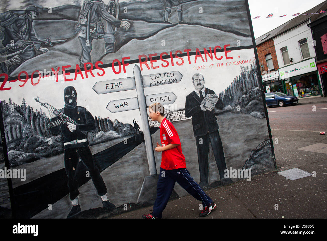 A mural on the Shankill Road, Belfast, Northern Ireland. - Stock Image