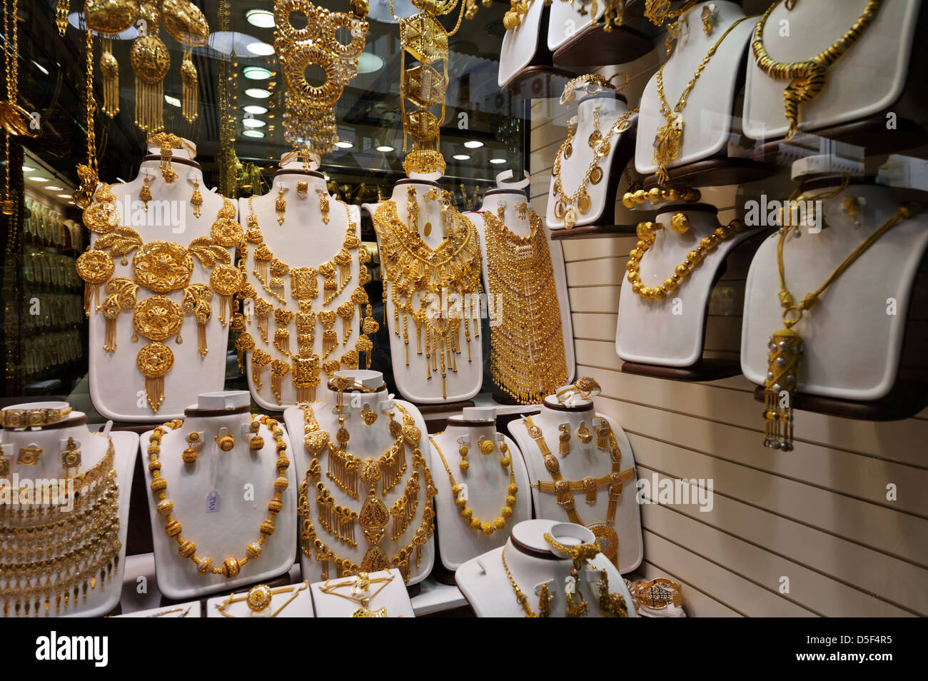 Where To Buy Cheap Wedding Rings In Dubai
