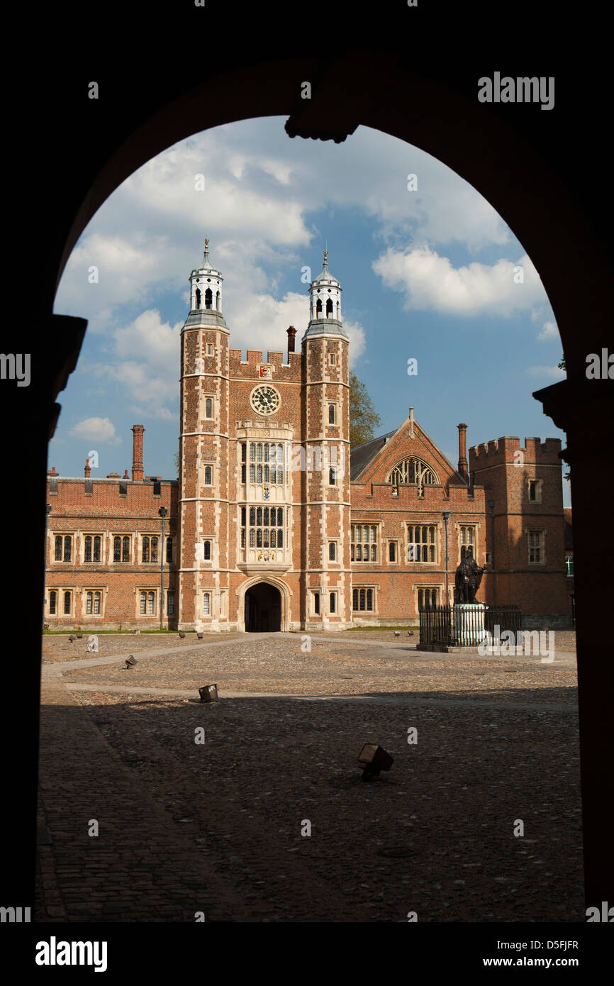 England, Berkshire, Eton College, School Yard and Lupton's Tower from Lower School - Stock Image