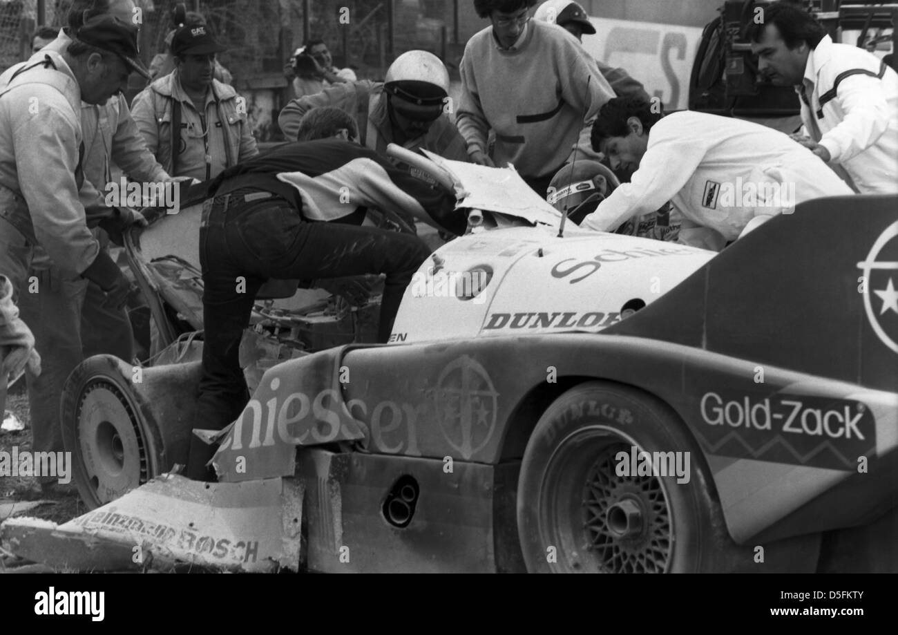 Accident Of Stephan Beloff G And Jacky Ickx 24 Hours Of