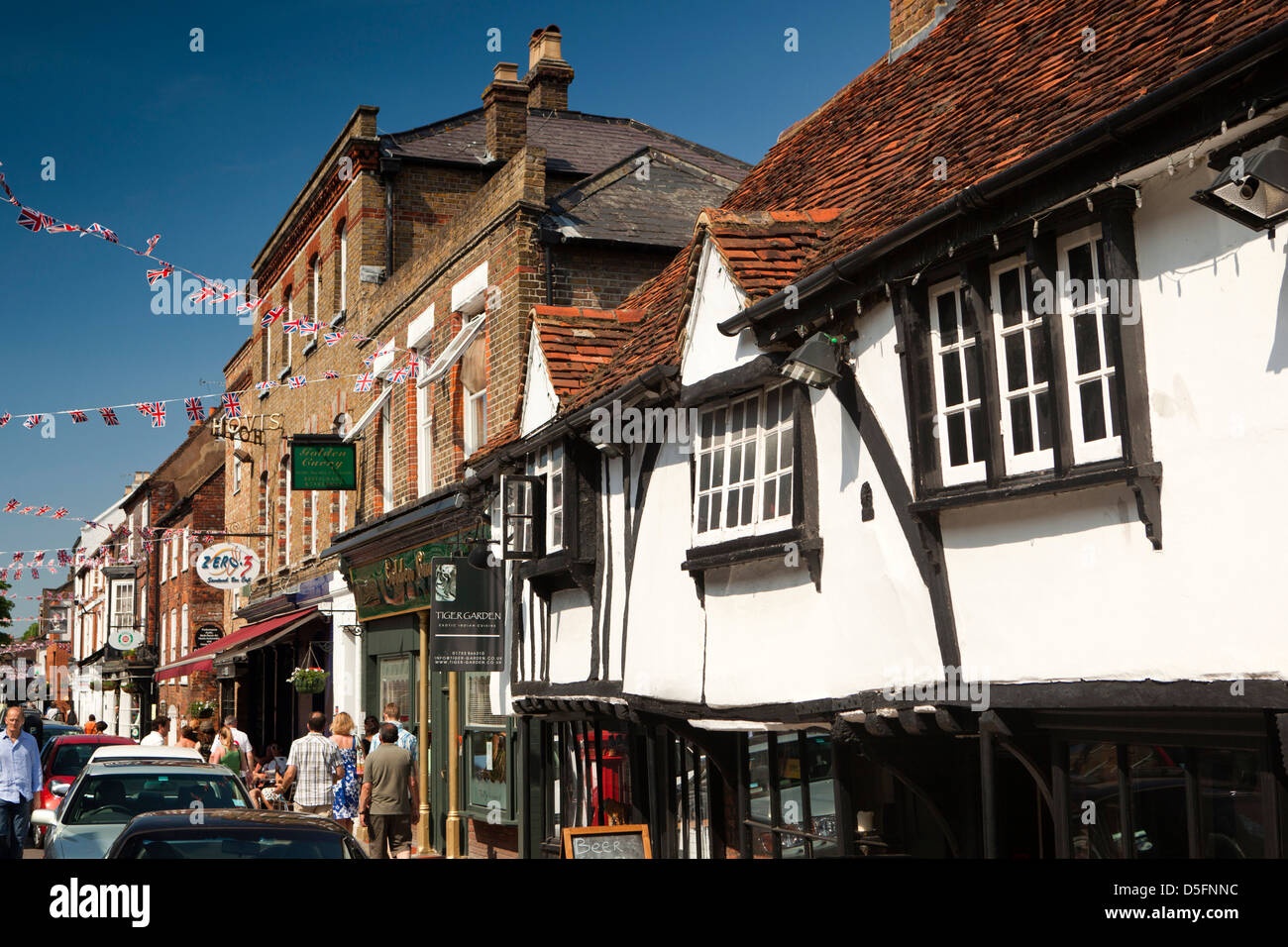 England, Berkshire, Eton High Street, Tiger Garden in ancient building formerly known as the cockpit - Stock Image