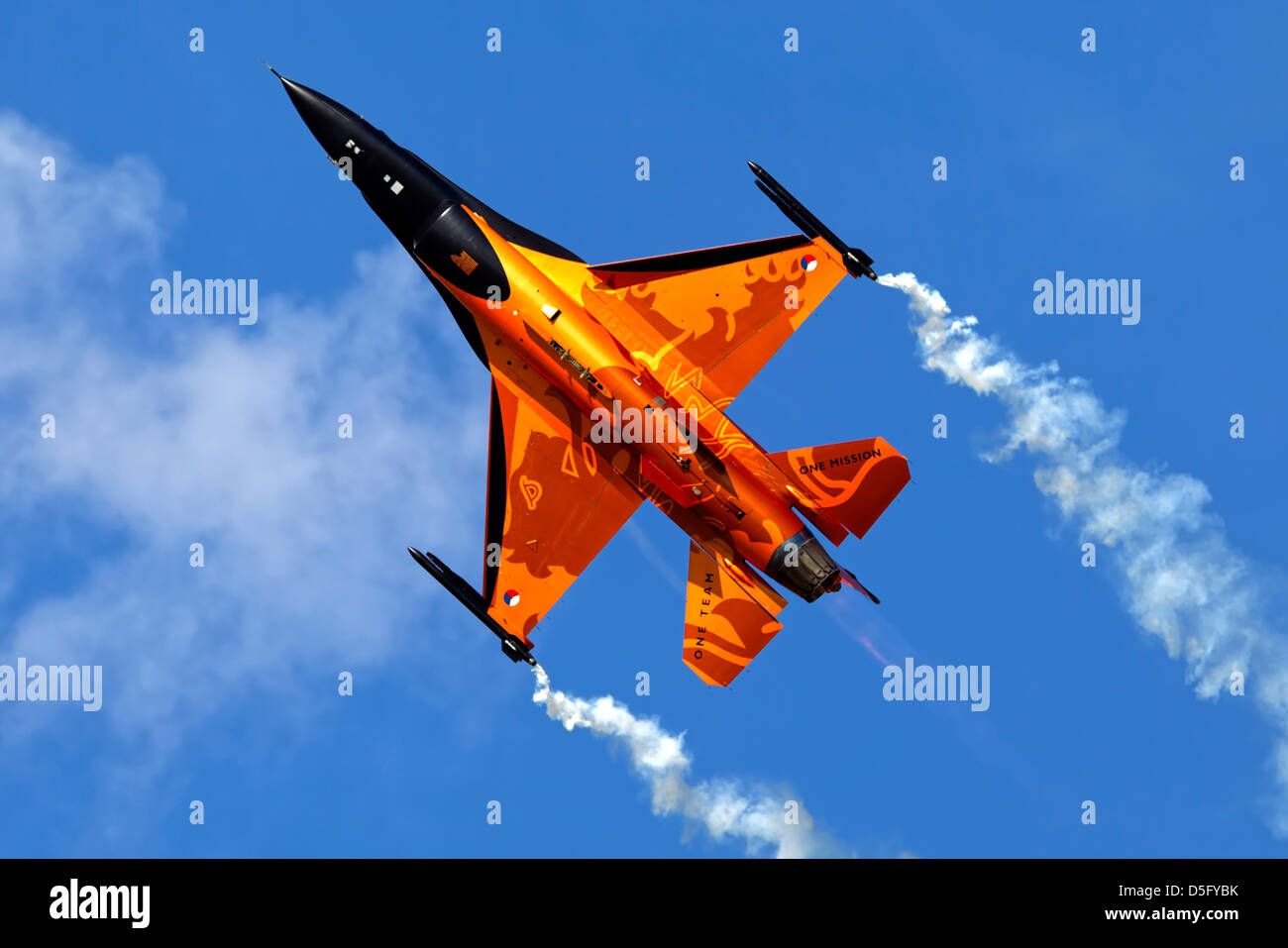 Royal Netherlands Air Force 323 Squadron General Dynamics F-16AM Fighting Falcon 'Orange Lion' at RIAT, - Stock Image