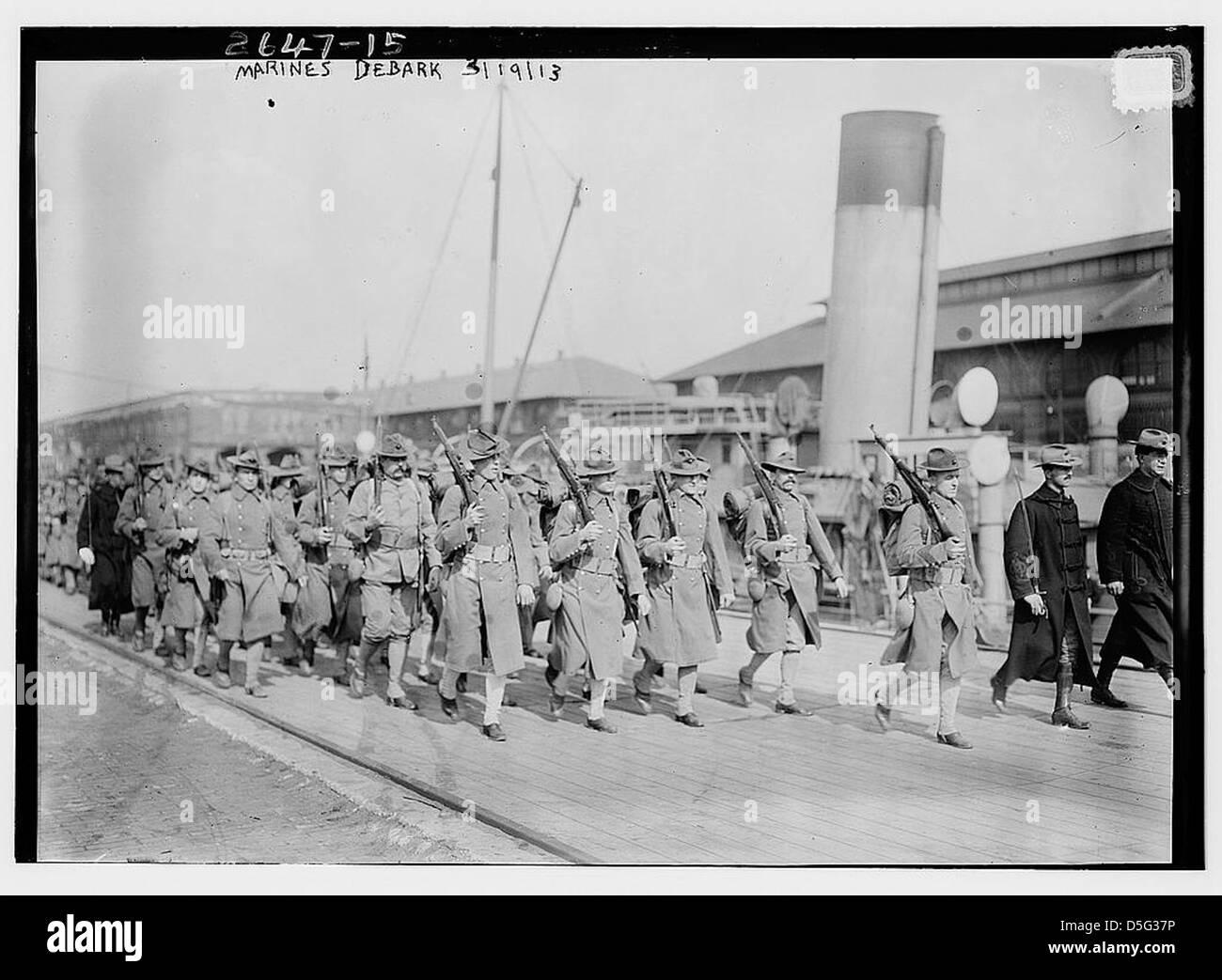 Marines debark (LOC) Stock Photo