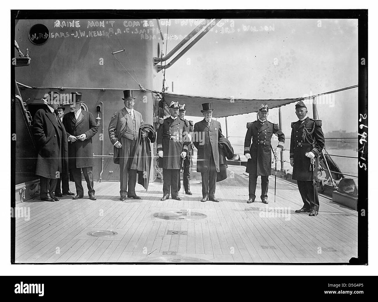 MAINE Mon't comm'ee [Monument Committee] on WYOMING, W.R. Hears[t], J.W. Keller, R.A.C. Smith, Adm Badger, - Stock Image