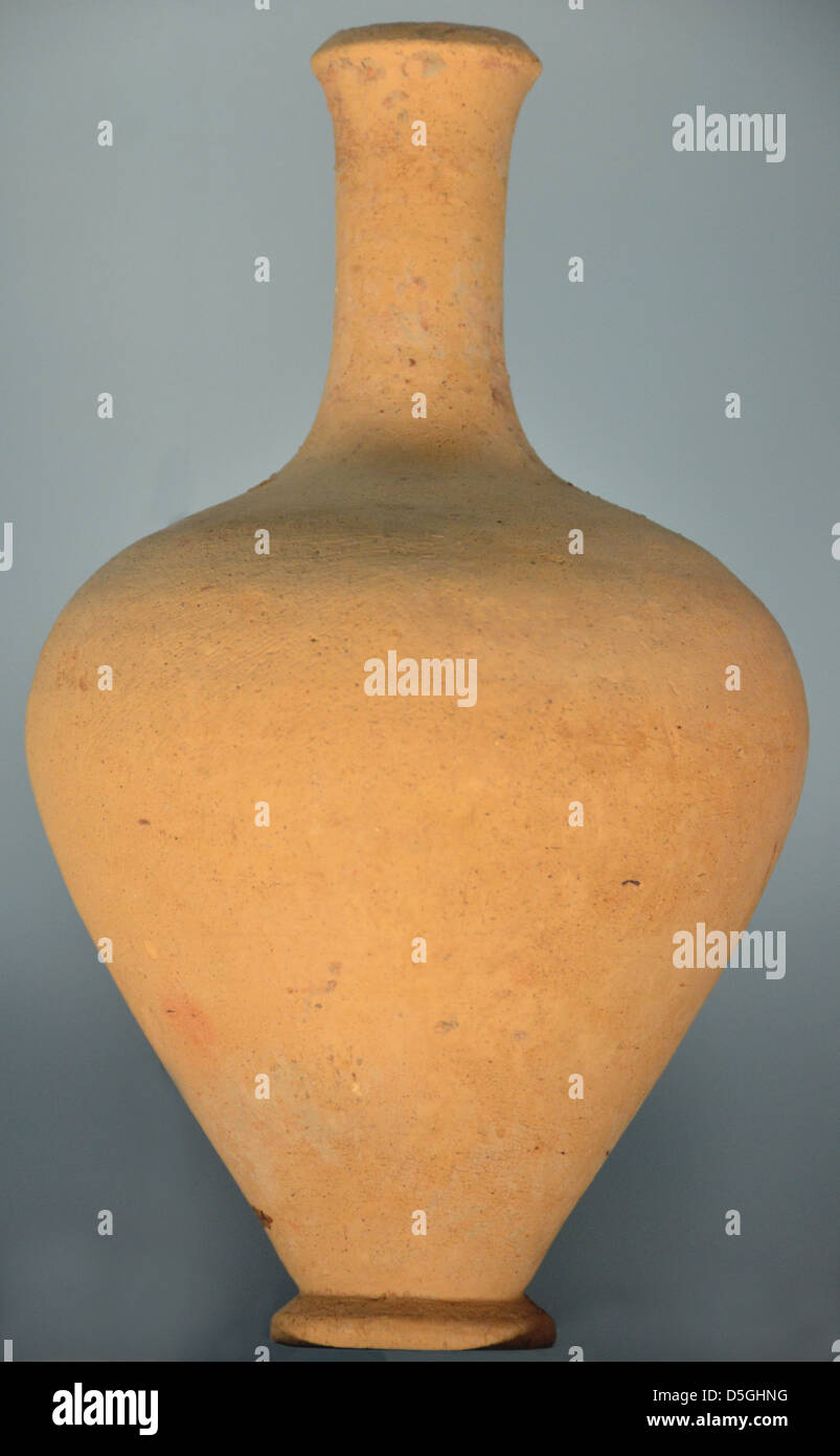 Elegant ancient greek vase from before the 5th century BC. - Stock Image
