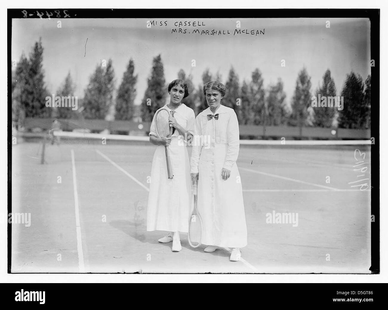 Miss Cassell [and] Mrs. Marshall McLean (LOC) - Stock Image
